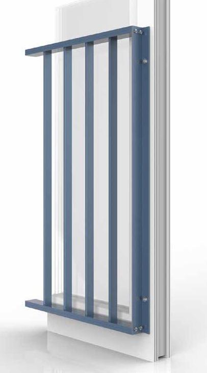 schlank und feingliedrig absturzsicherung simplum aluminium small pressecontrol. Black Bedroom Furniture Sets. Home Design Ideas
